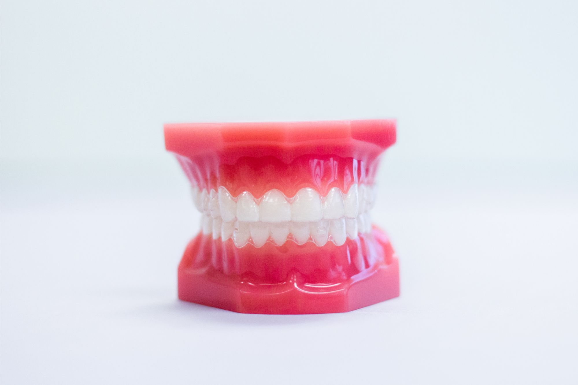 Model teeth with Invisalign